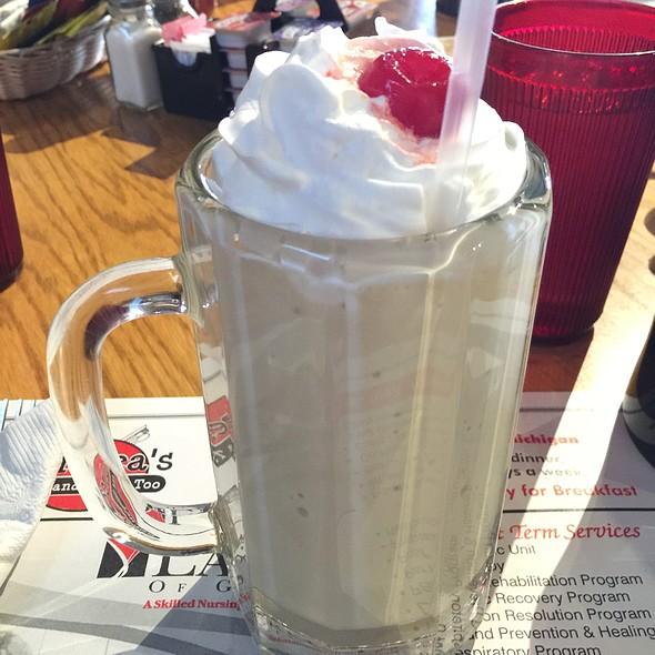 Infernoburger & Salted Caramel Milkshake @ Andrea's Cafe