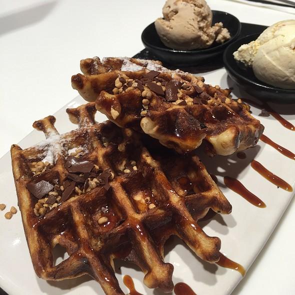 Nut Waffles @ Mövenpick Sydney CBD