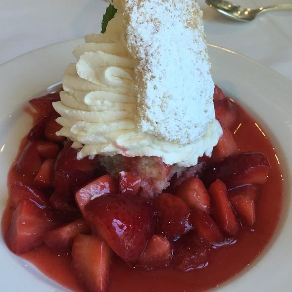 Ponchatoula Strawberry Shortcake @ Commander's Palace