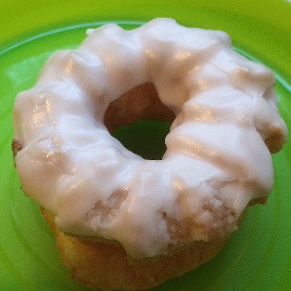 Cruller @ Dutch Girl Donut Co