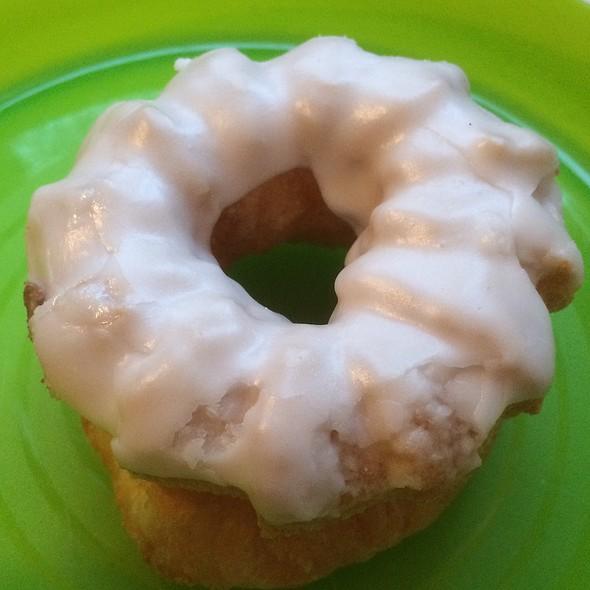 Cruller @ Dutch Girl Donut Co