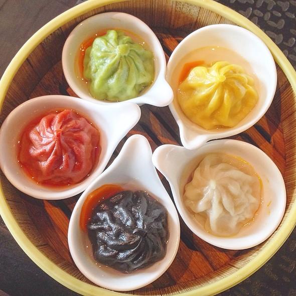 Five Guys Xiao Long Bao @ Dragon Beaux