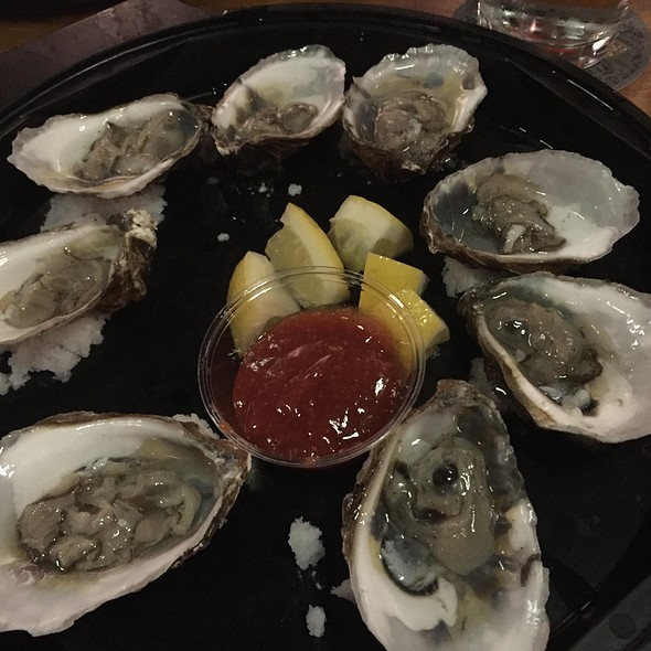 Oysters @ Cambridge Brewing Company
