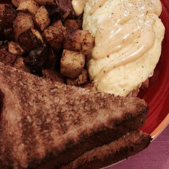 New Orleans Omelette @ Shea's Cafe & Bakery