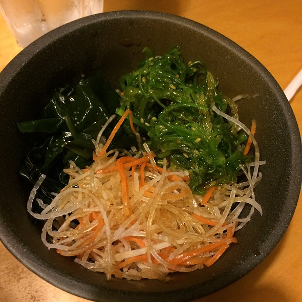 Seaweed salad @ Hinotez