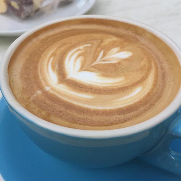 Flat White @ La Renaissance Cafe Patisserie