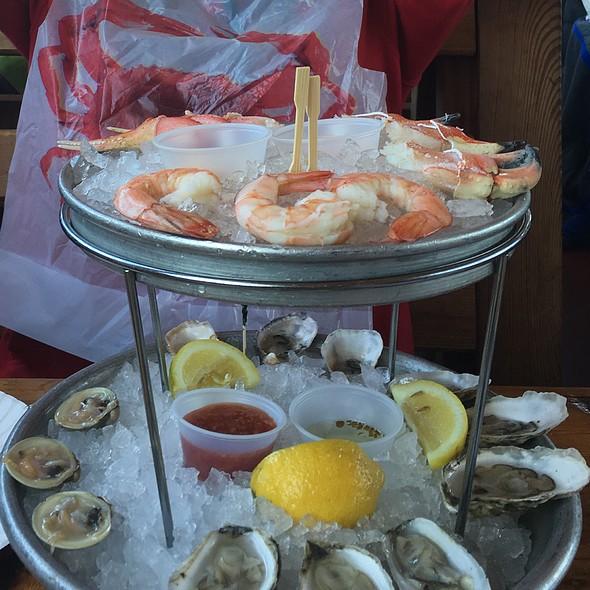 Clams, Oysters, @ Brooklyn Crab