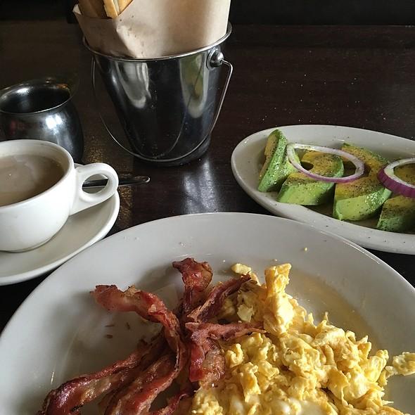 Breakfast @ Sergio's Restaurant