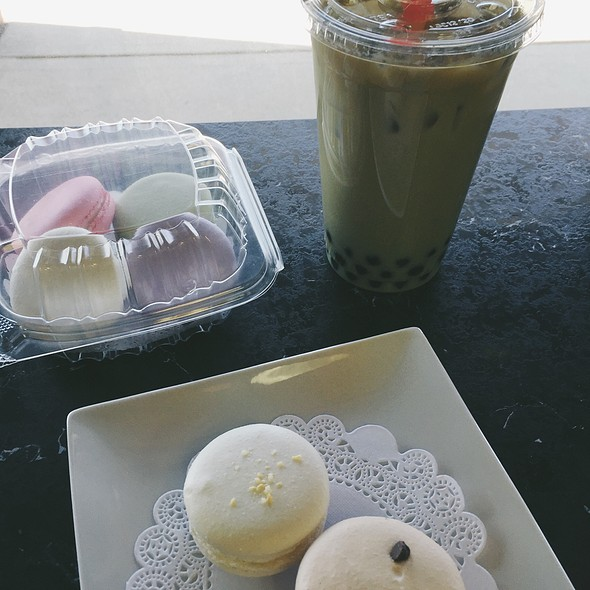Macarons + Bubble Tea @ Blossom Cafe And Bakery