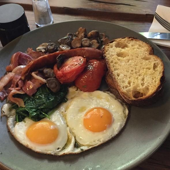 Big Breakfast @ Double Roasters