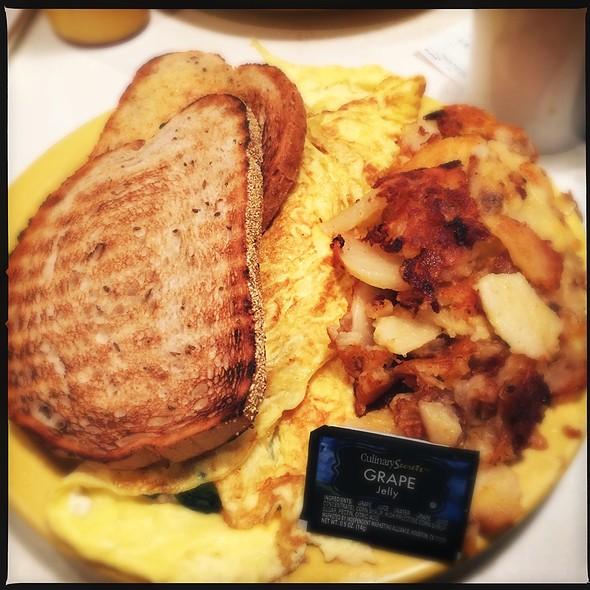 Omelette @ Pamela's P&G Diner - Shadyside