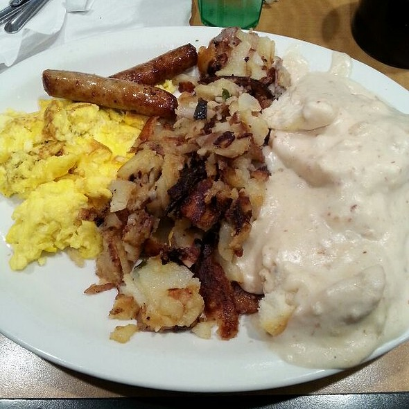 Biscuits and Gravy @ Bc CAfe