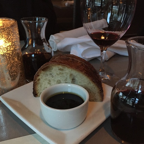 bread and wine - T. Maccarone's, Walla Walla, WA