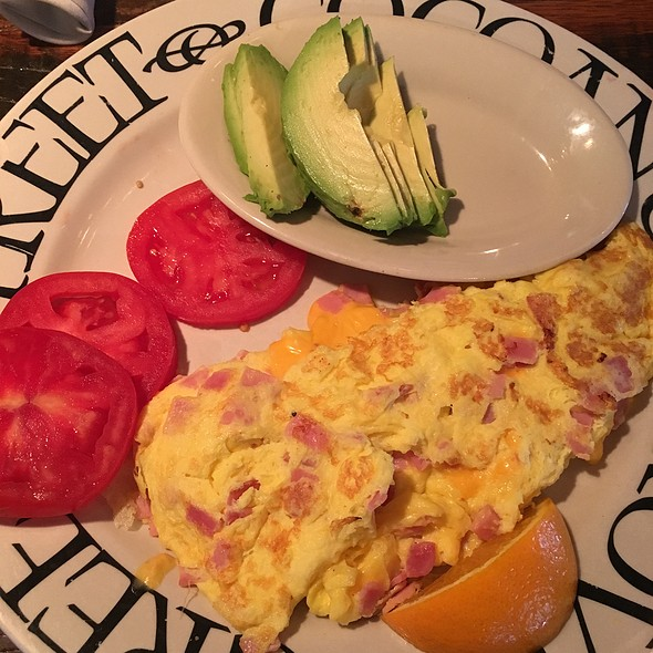 Ham And Cheese Omelette @ greenstreet