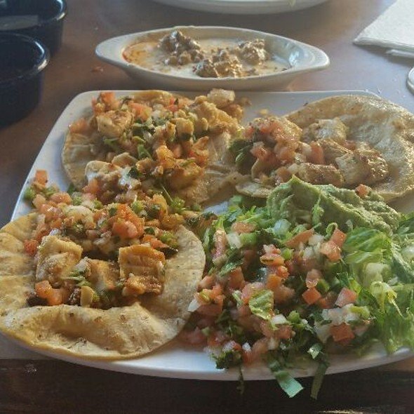 fish tacos @ Señor Iguanas