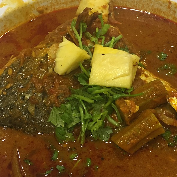 Fish Head Curry @ The Banana Leaf Apolo