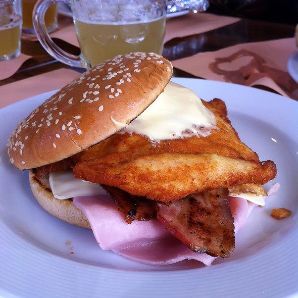 Chicken Burger @ La Taberna de Manolo