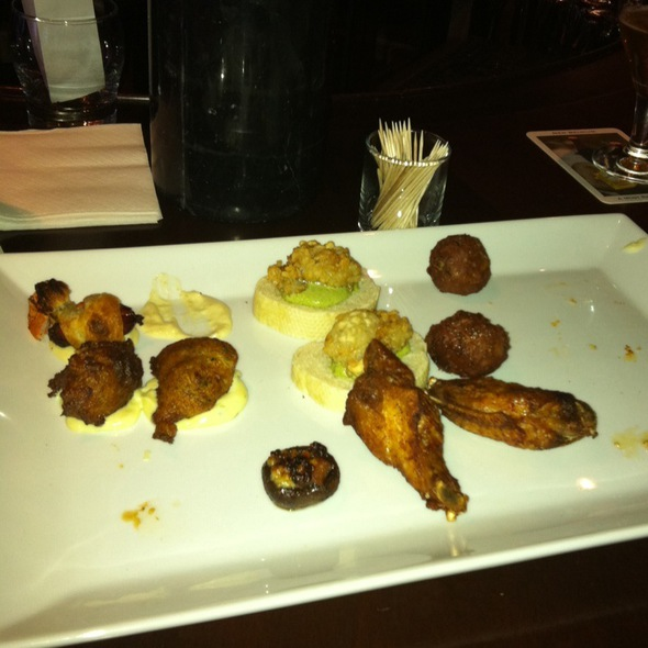 happy hour tapas @ Modesto