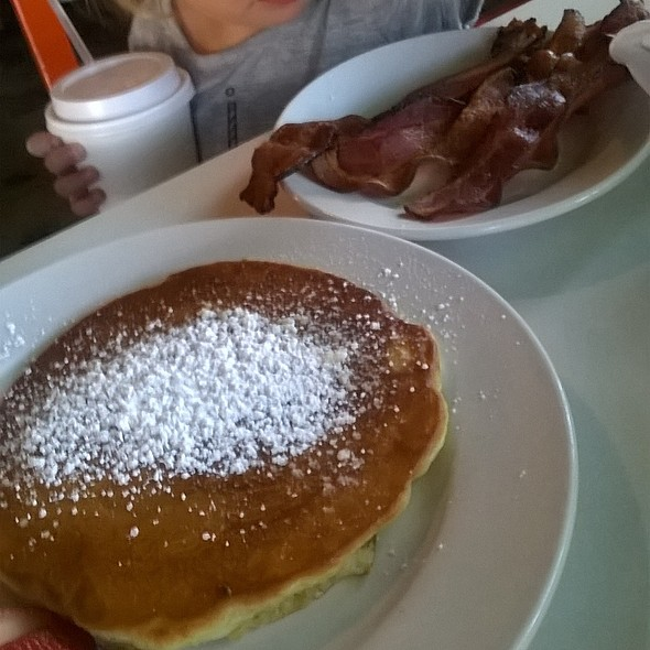pancakes and bacon @ Eat