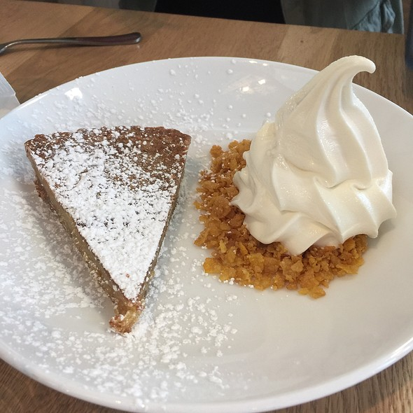 Crack Pie & Cereal Milk Soft-Serve @ Momofuku Ccdc