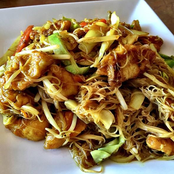 Signapore Street Noodles @ A Taste of Burma