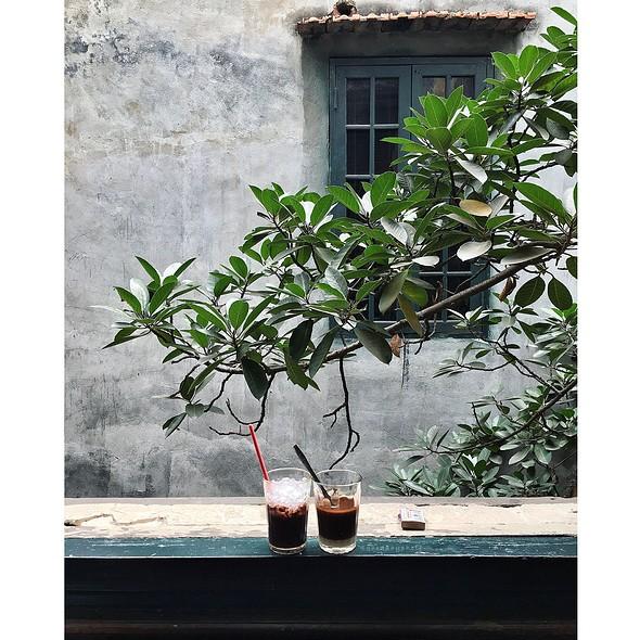 Iced Chocolate And Iced Coffee @ Cafe Tho