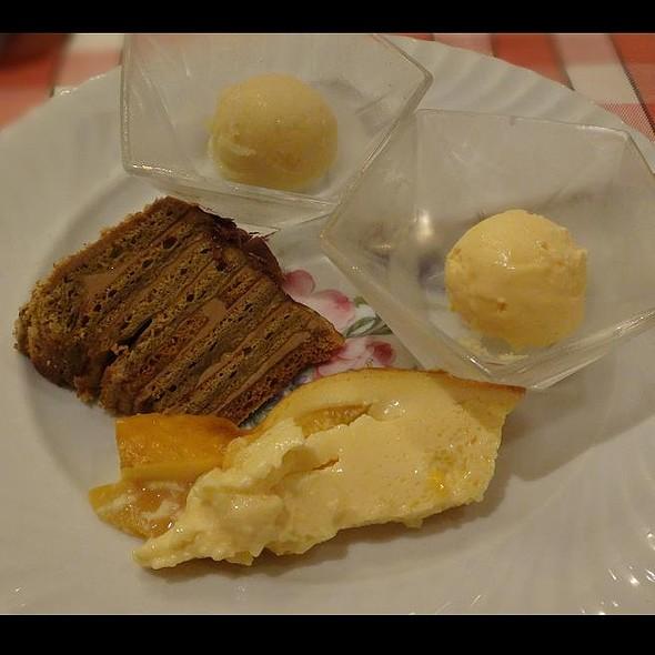 Desserts @ Les Choux