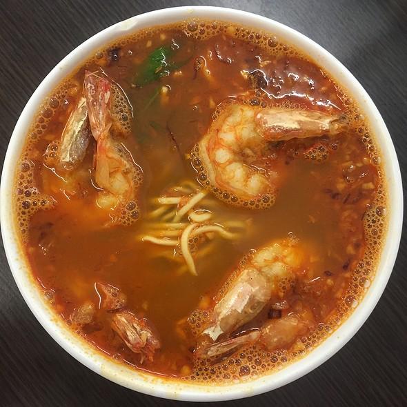 Prawn Mee Soup @ Teazone Cafe