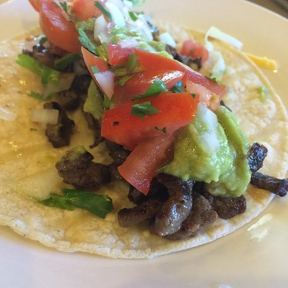Carne Asada Tacos @ Los  Cuates