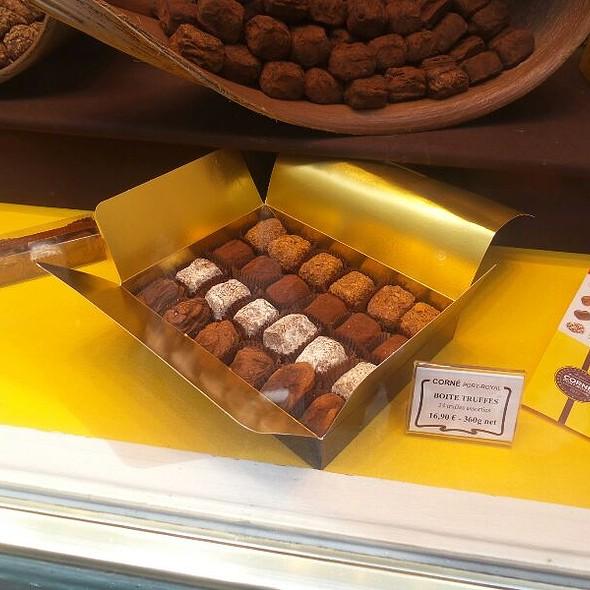 Belgian Truffles @ Corné Port-Royal (Chocolatier)