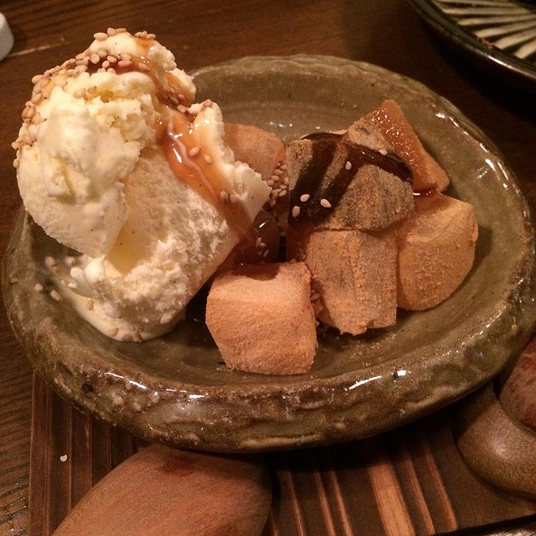 Warabi Mochi And Vanilla Ice Cream @ マルコ (Maruko)
