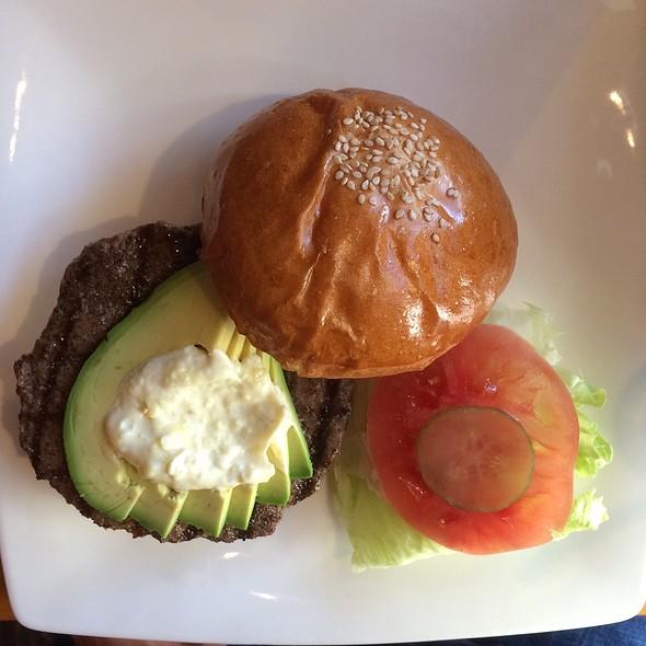 Avocado Burger @ 三軒茶屋バーガークラブ