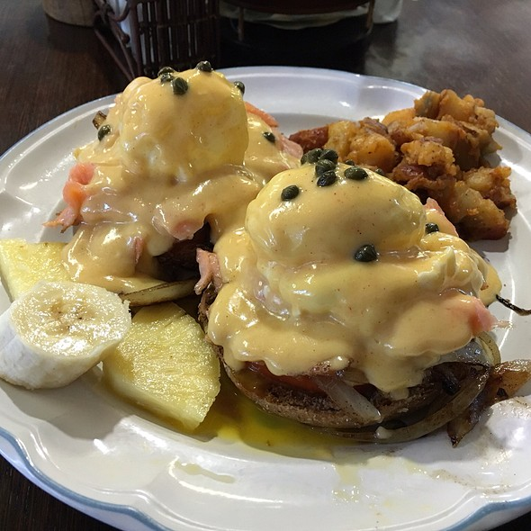 Lox Benedict @ Sunrise Cafe