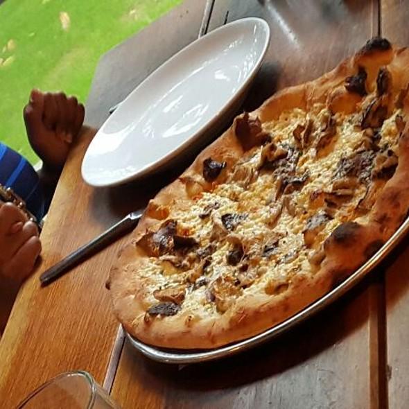 Mushroom Pizza With porcini Mushroom Sauce.