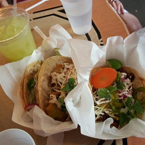 Limeade And Avocado, Fish, & Asada Tacos @ mas tacos por favor