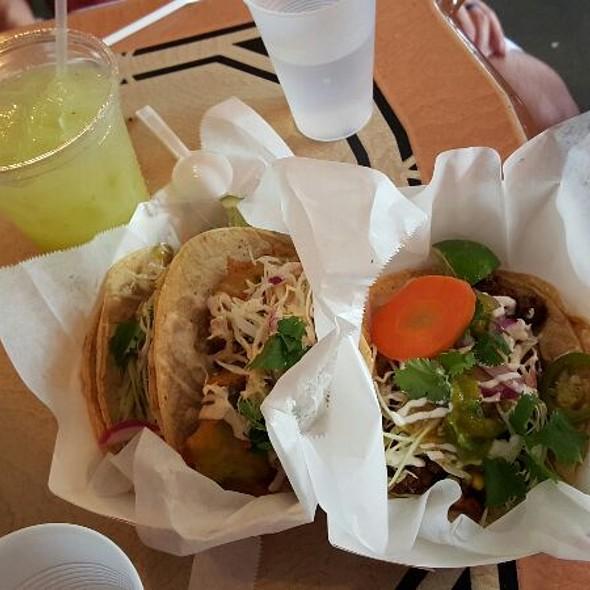 Limeade And Avocado, Fish, & Asada Tacos @ mas tacos por favor
