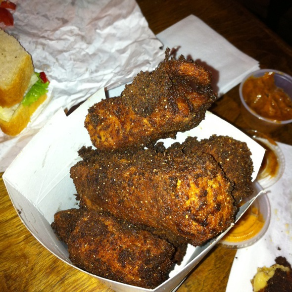 Deep-Fried Macaroni And Cheese @ Reggies Old Fashioned Sandwiches