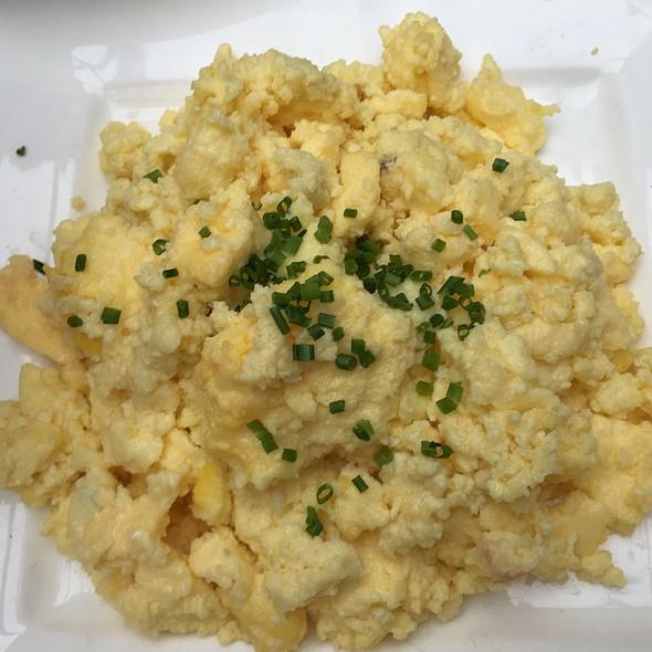 Scrambled Eggs @ Hotel Chantelle