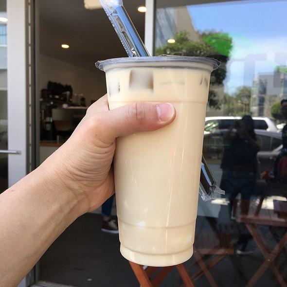 Peach Oolong Milk Tea @ Steep