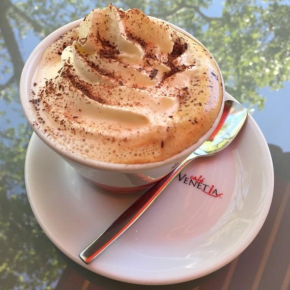 Cappuccino Viennese @ Cafe Venetia
