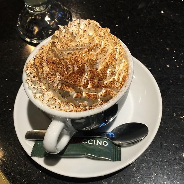 Cappuccino @ Churrería Layetana