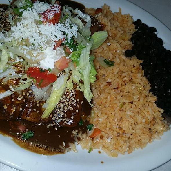 Enchiladas De Mole @ La Paz