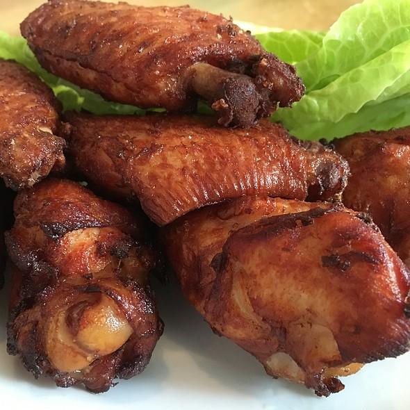 Thai Chicken Wings @ Sripraphai Thai Restaurant