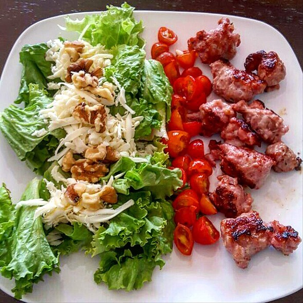 Ceasar Salad And Meatballs @ Home