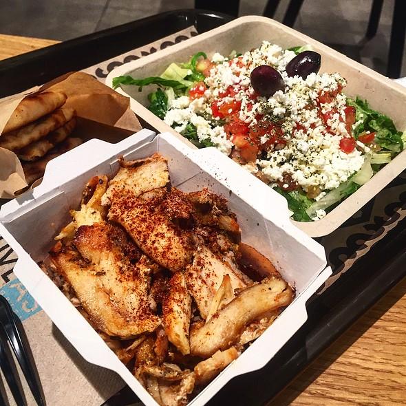 Greek Salad With Chicken @ Suvlas