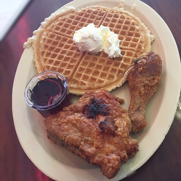 Chicken 'n waffles @ Roscoe's House of Chicken N' Waffles