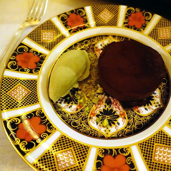 Chocolate & Pistachio Desert @ Ballyfin Hotel