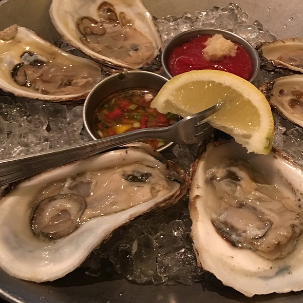 raw oysters - Real Seafood Company - Toledo
