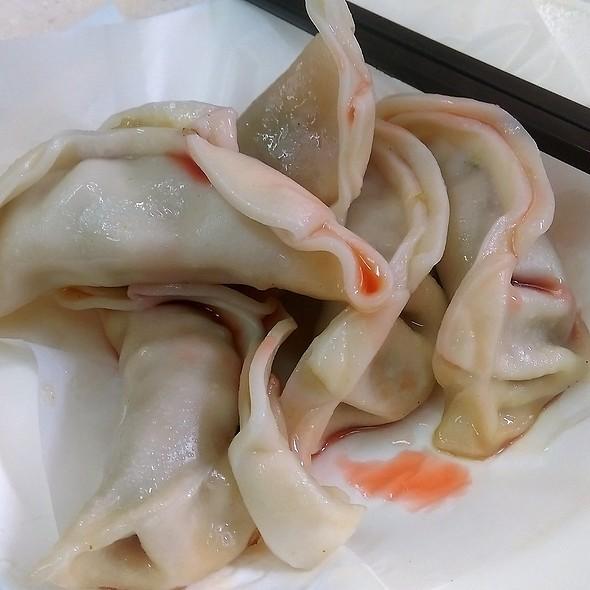 韭菜豬肉鍋貼 Pan-Fried Pork & Leek Dumplings @ 莉苑美食 Lily's Food