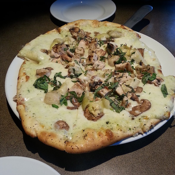 Chicken Pesto Pizza @ Twigs Bistro & Martini Bar